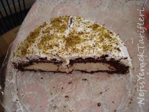 Fıstıklı Köstebek Pasta Tarifi, pasta tarifleri