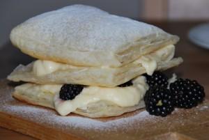 Böğürtlenli Milföy Pastası Tarifi