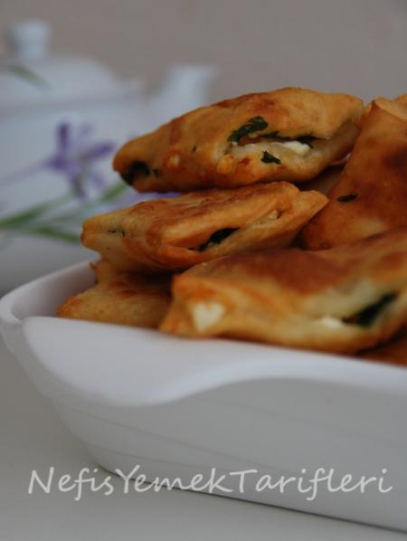 Yağda Kızarmış Peynirli Börek Tarifi, yemek tarifleri