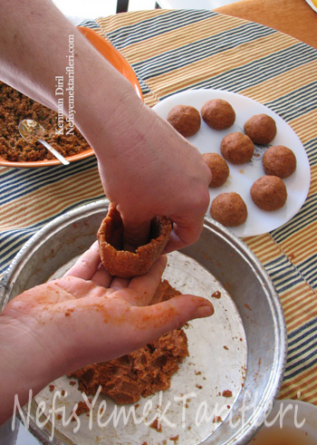 Etli İçli Köfte Tarifi - Nefis Yemek Tarifleri