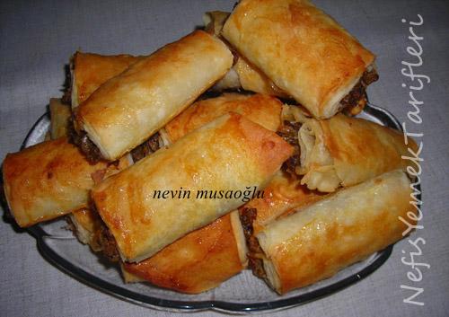 Unlu Börek (Mercimekli veya Patatesli) Tarifi