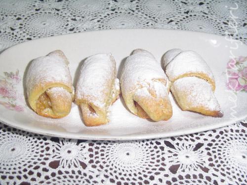 Reçelli Çörekler Tarifi