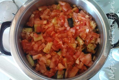 Anneannemin Patlıcan Yemeği Tarifi Videosu