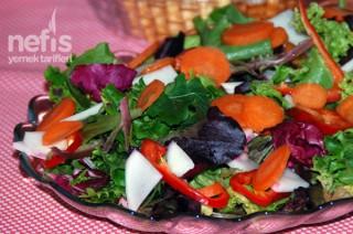 Akdeniz Yeşillikleri Salatası Tarifi