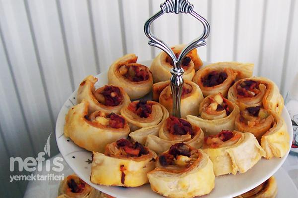 Milföylü Minik Pizzalar Tarifi