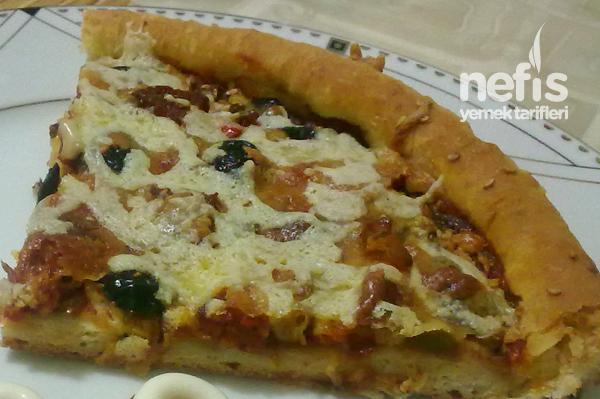 Karışık Ev Pizzası Tarifi