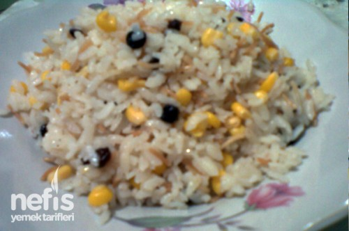 Mısırlı ve Kuş Üzümlü Pirinç Pilavı