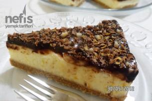 Muzlu ve Çikolata Soslu Kolay Cheesecake Tarifi