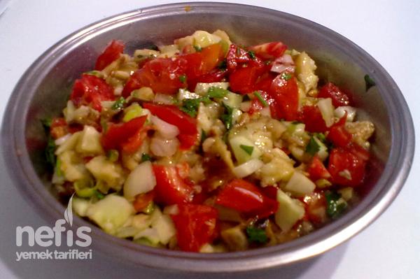Patlıcan Salatası Yapılışı Tarifi