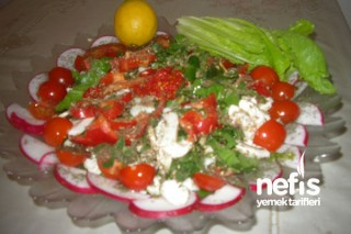 Buğday Çimi - Ispanak Salatası Tarifi