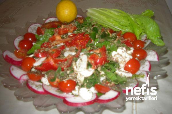 Buğday Çimi – Ispanak Salatası Tarifi