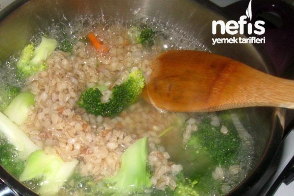 bugdayli-brokoli-corbasi