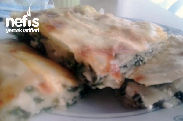 Ispanaklı Peynirli Börek Yapımı Tarifi