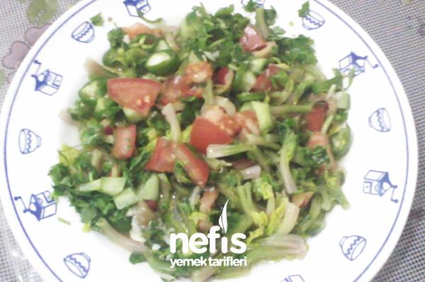 Ispanak Sapı Salatası Tarifi