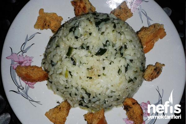 Ispanaklı Pirinç Pilavı Tarifi