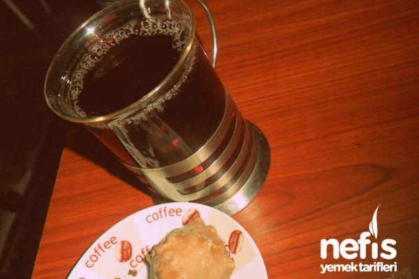 Karanfilli Siyah Çay Tarifi