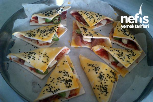 Pratik Pizza Tadında Milföyler  1