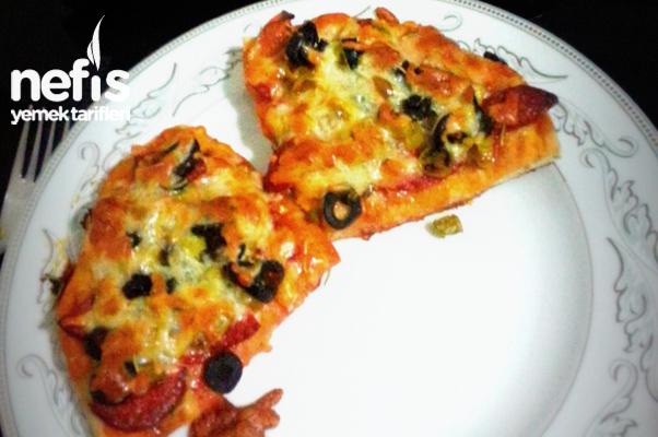 Bazlamalı Kolay Pizza Tarifi
