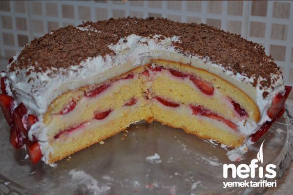 Çilekli Pasta Yapılışı 1