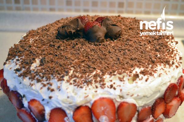 Çilekli Pasta Yapılışı 2
