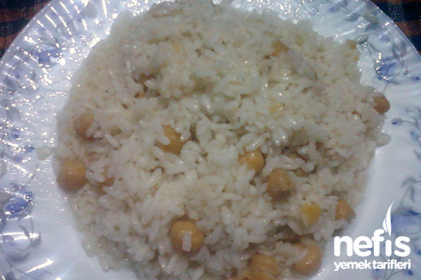 Et Sulu Nohutlu Pirinç Pilavı Tarifi