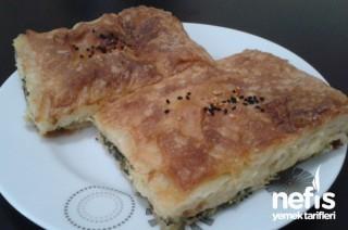 Milföylü Yufkalı Ispanaklı Börek Tarifi