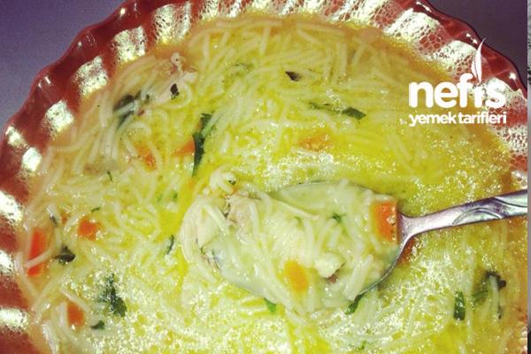 Tel Şehriyeli Tavuk Çorbası Tarifi