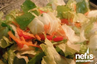 Yeşil İlkbahar Salatası Tarifi
