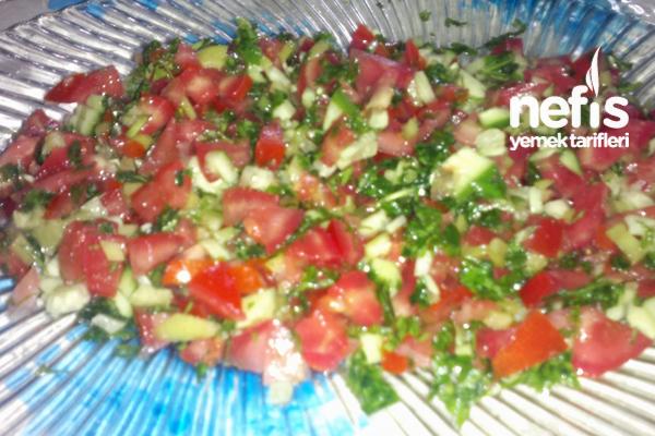 Ekşili Salata Tarifi
