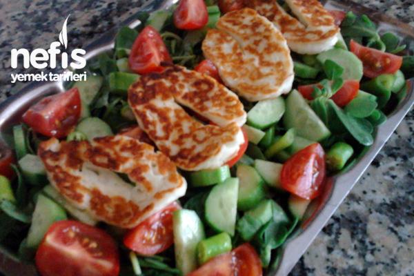 Hellim Peynirli Semizotu Salatası Tarifi