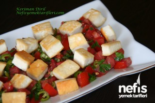 Kızarmış Köy Peynirli  Kahvaltılık Salata Tarifi