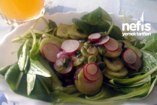 Kuzu Marulu Salatası Tarifi