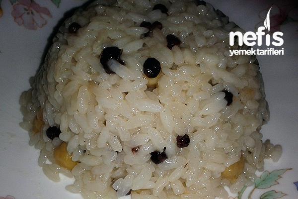 Nohutlu Kuş Üzümlü Pirinç Pilavı Tarifi