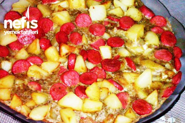 Patates ve Sosisli Yumurta Tarifi