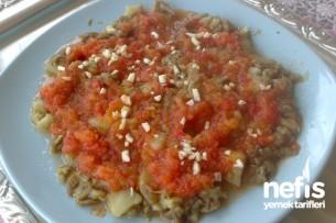 Domatesli Patlıcan Salatası Tarifi