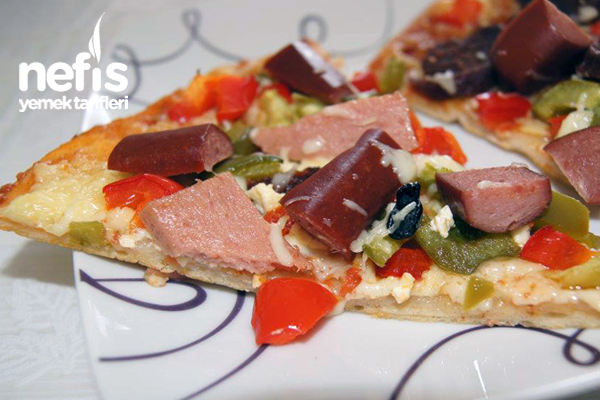 Ev Yapımı Pizza Keyfi Tarifi
