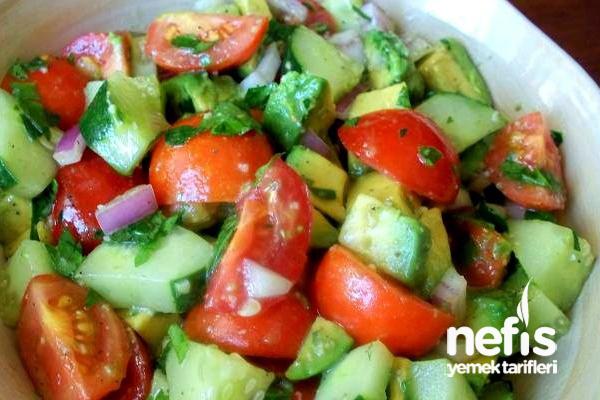 Kiraz Domates ve Avakado Salatası Tarifi