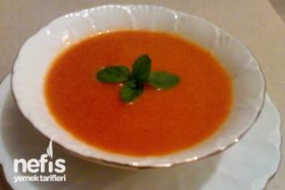 Domates Çorbasının Yapımı Tarifi