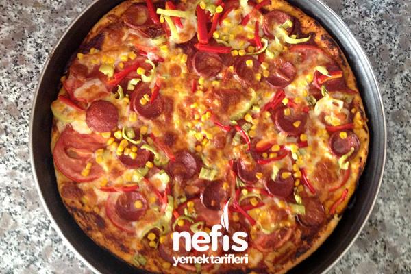 Ev Yapımı Pizza Yapılışı Tarifi