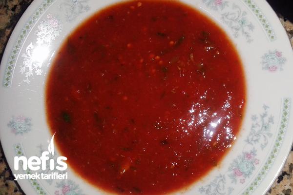 Fesleğenli Soğuk Domates Çorbası Tarifi