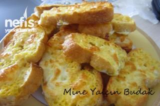 Fırında Kaşarlı Yumurtalı Ekmekler Tarifi
