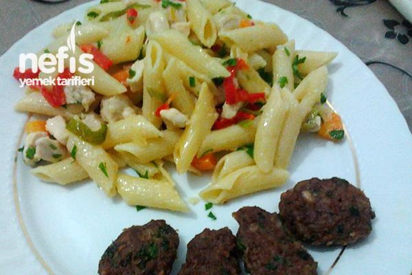 Tavuklu Sebzeli Makarna Tarifi - Nefis Yemek Tarifleri