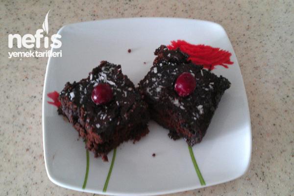 Çikolata Soslu Islak Kek Yapılışı Tarifi