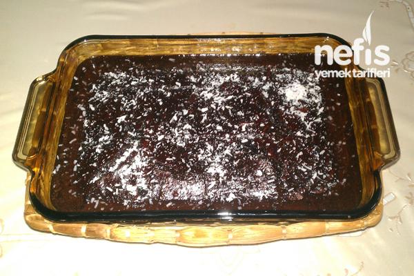 Çikolata Soslu Islak Kek Yapılışı 2