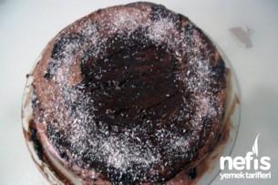 Double Çikolatalı Pasta Tarifi