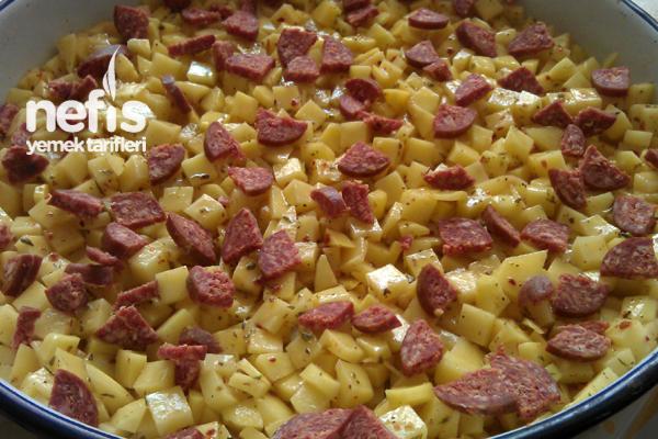 Fırında Kremalı Sucuklu Patates 1