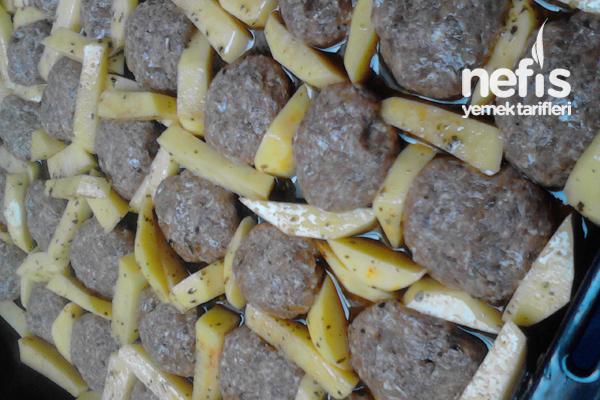 Fırında Patatesli Köfte Yapılışı 2