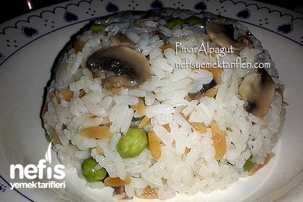 Mantarlı Bezelyeli Pirinç Pilavı Tarifi