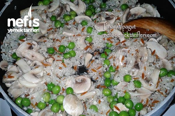 Mantarlı Bezelyeli Pirinç Pilavı 4