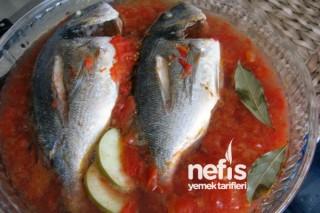 Domates ve Yeşil Elmalı Balık Tarifi